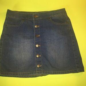 Dresses & Skirts - Y2K button down denim skirt